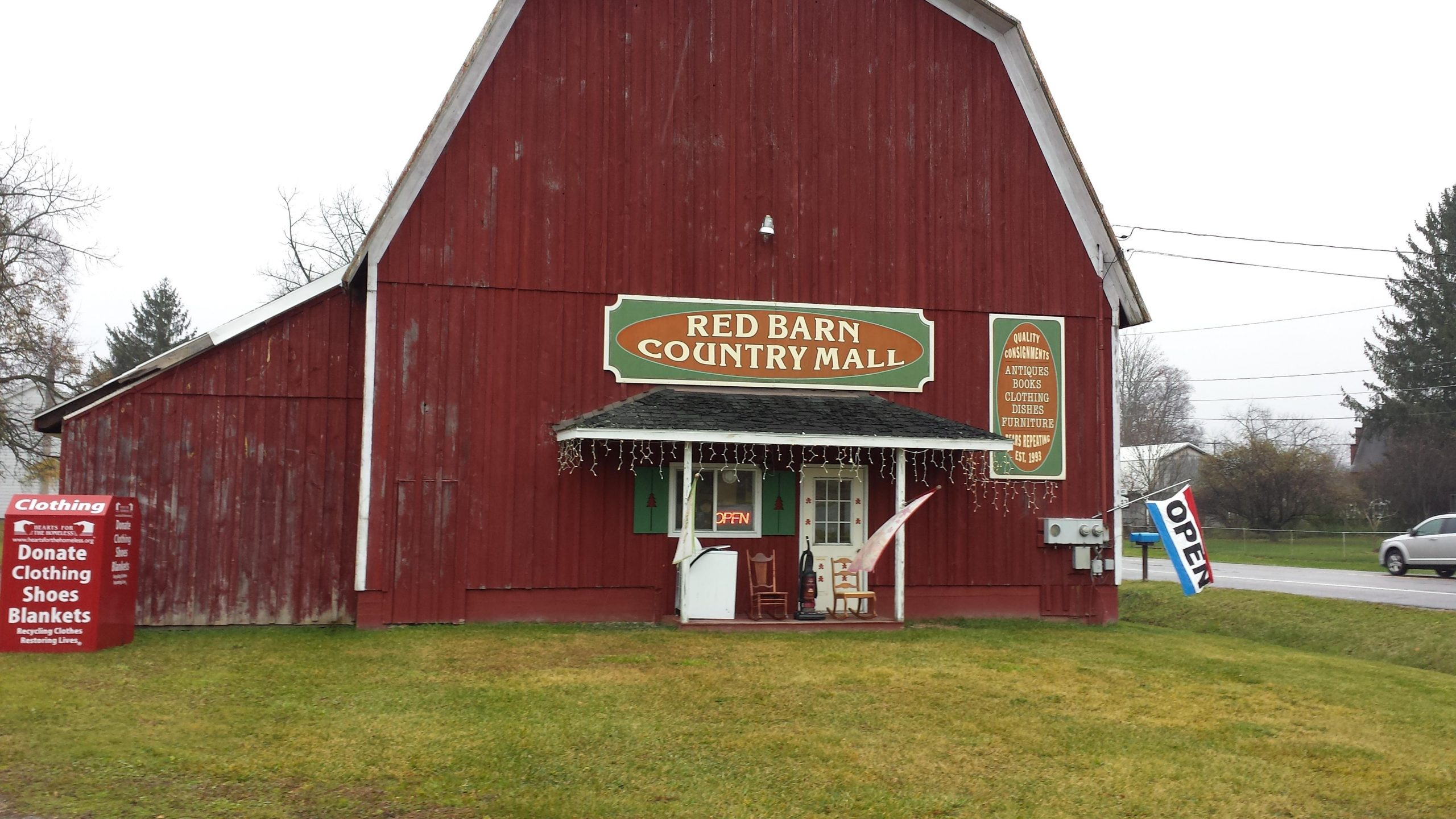 Photo - Red Barn Country Mall Consignment Shop